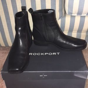 Rockport Shoes - Men's Black Rockport Toloni Short Boot zip Size 8